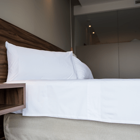 sabana-plana-180-hilos-blanca-hotelera