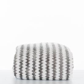 cobija-zigzag-gris-distrihogar-1